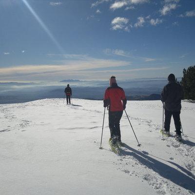 Llegada a la cima de la excursión con raquetas de nieve     (INDÒMIT Centre d'Aventura)