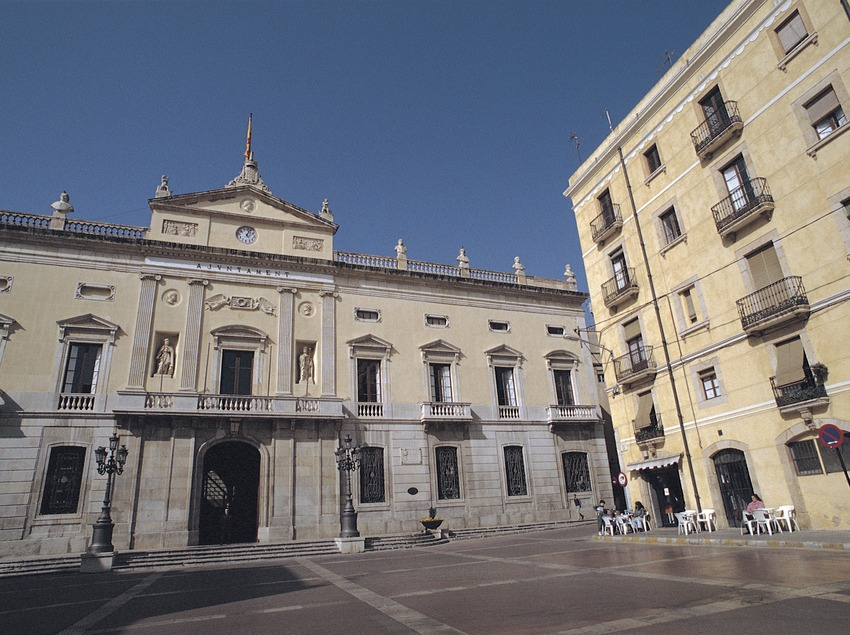 Plaza de la Fuente y ayuntamiento, Tarragona.  (Rafael López-Monné)