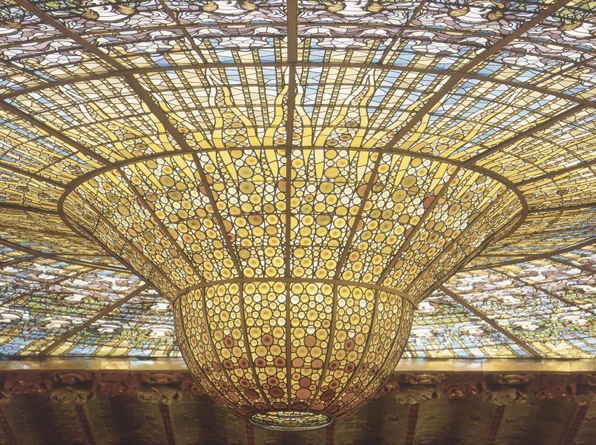 Vidriera central del sostre del Palau de la Música Catalana.
