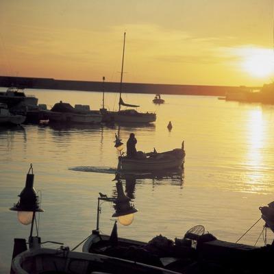 Puerto de Arenys de Mar al anochecer.