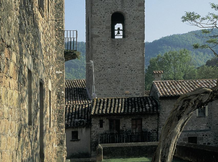 Campanar de l'església de Santa Maria, Santa Pau.  (Servicios Editorials Georama)