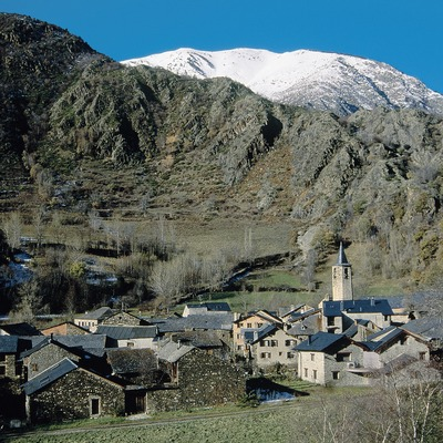 Borén, with the Serra de Campans in the background