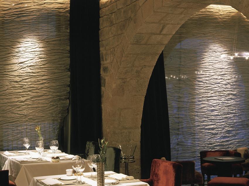 Menjador de l'hotel-restaurant Neri, Barcelona.   (Hotel Neri)