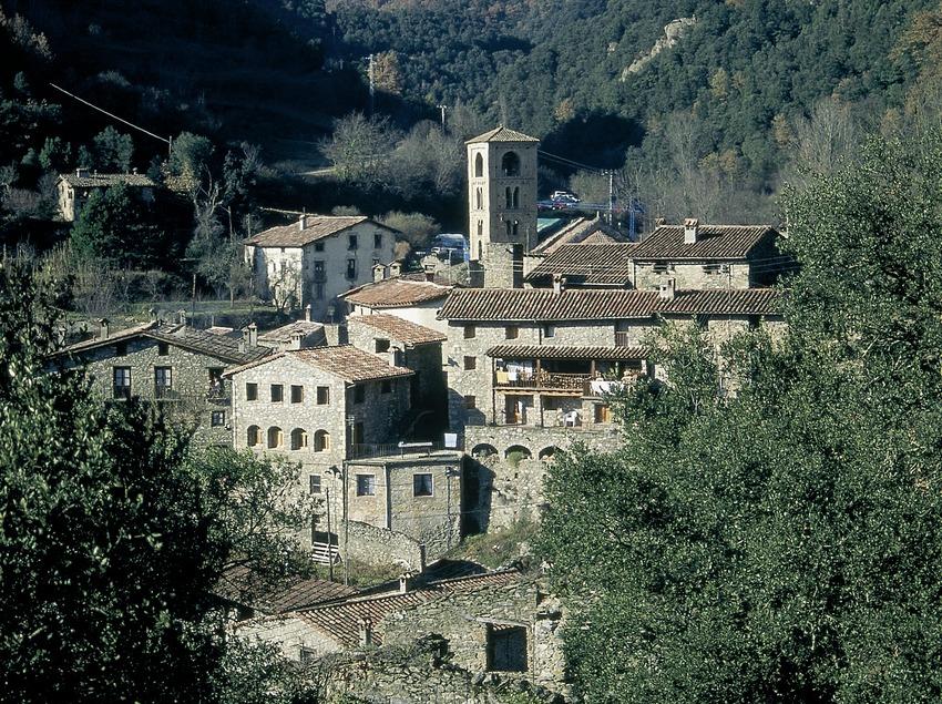 Beget y la iglesia románica de Sant Cristòfol.