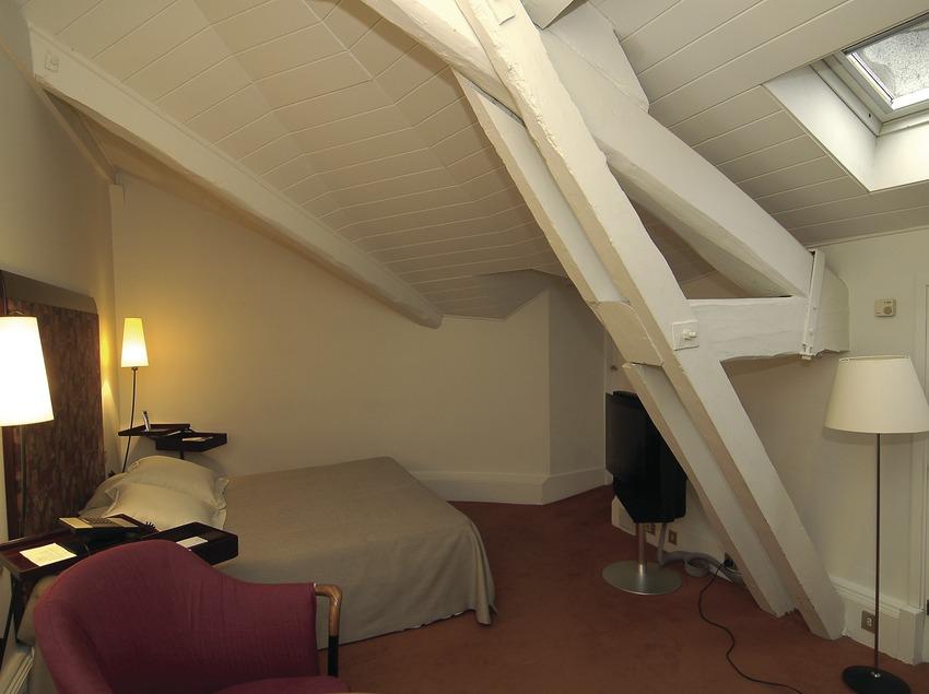 Room in the Torre del Remei Hotel  (Chopo (Javier García-Diez))
