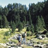Randonneurs près du lac de Colomers, dans le parc national d'Aigüestortes i Estany de Sant Maurici.