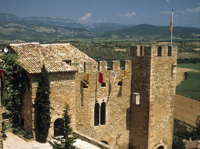 Castell de Montsonís.   (Patronat de Turisme de la Diputació de Lleida)