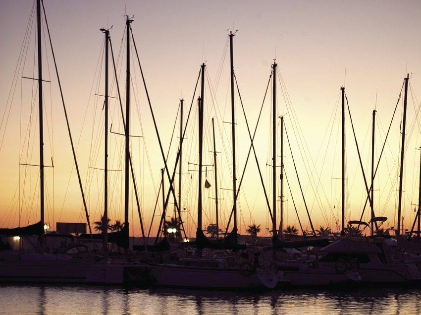 Embarcations à la tombée de la nuit au port d'Aiguadolç.  (Miguel Angel Alvarez)