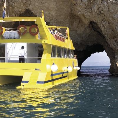 Boat by the Roca Foradada in L'Estartit