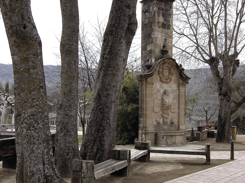 Monasterio de Santa Maria de Bellpuig de les Avellanes, fuente de Jaume Caresmar.  (Chopo (Javier García-Diez))