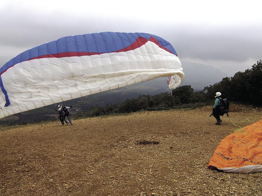 Paragliding in the Àger valley, taking off  (Chopo (Javier García-Diez))