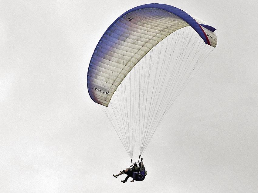 Paragliding in the Àger valley, serra del Montsec  (Chopo (Javier García-Diez))