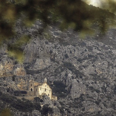 Ermita Mare de Déu de Pedra, Valle de Àger.  (Chopo (Javier García-Diez))