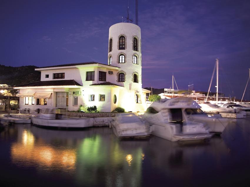 Atardecer en el puerto de Aiguadolç.  (Miguel Angel Alvarez)