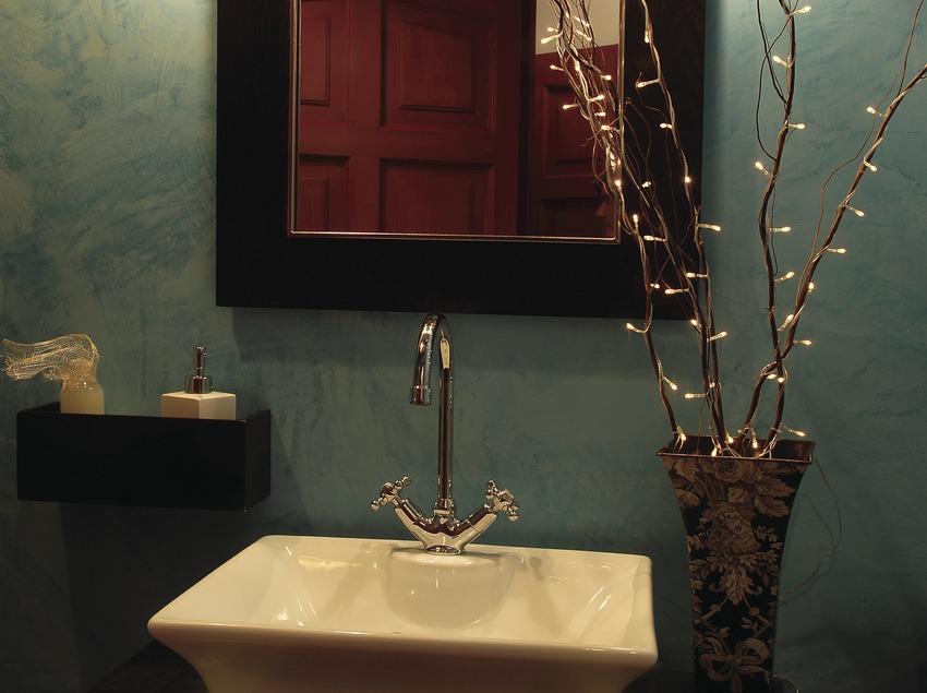 Bany d'una habitació de la casa rural La Icona del Pont Vell.  (Tina Bagué)