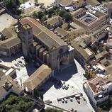 Vista aérea de la catedral de Castelló d'Empúries.  (Miguel Angel Alvarez)