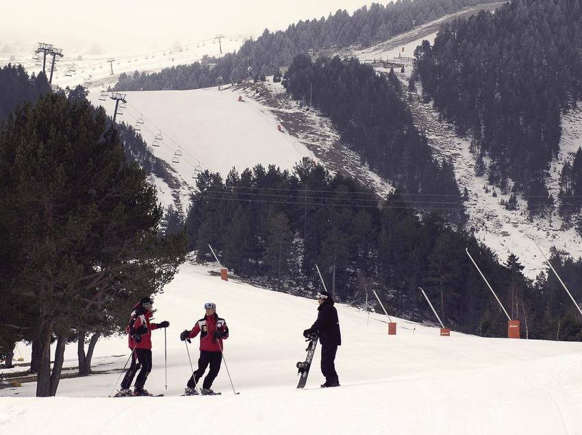 Skiers in the La Molina ski resort
