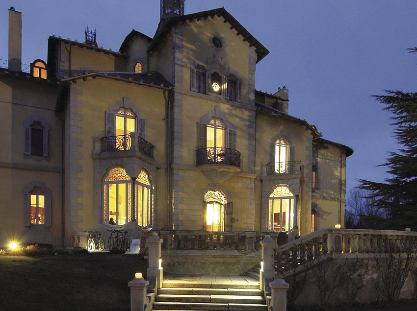 Vista nocturna del hotel Torre del Remei  (Chopo (Javier García-Diez))