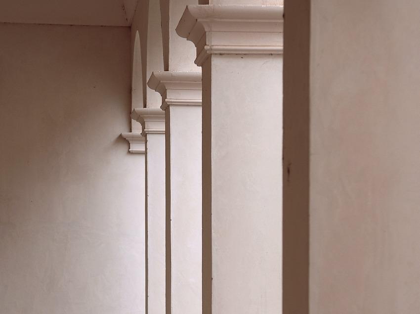 Columnas del claustro restaurante, cartuja de Scala Dei  (Tina Bagué)