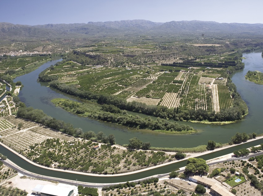 Meander of the Ebro river near Tortosa  (Miguel Angel Alvarez)