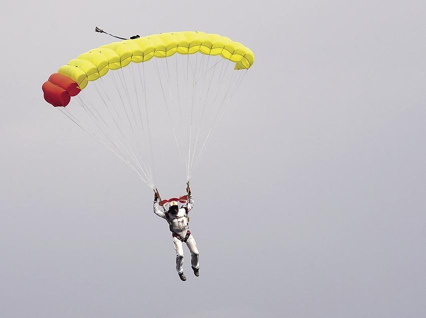 Paracaigudista a l'aeroclub d'Empuriabrava