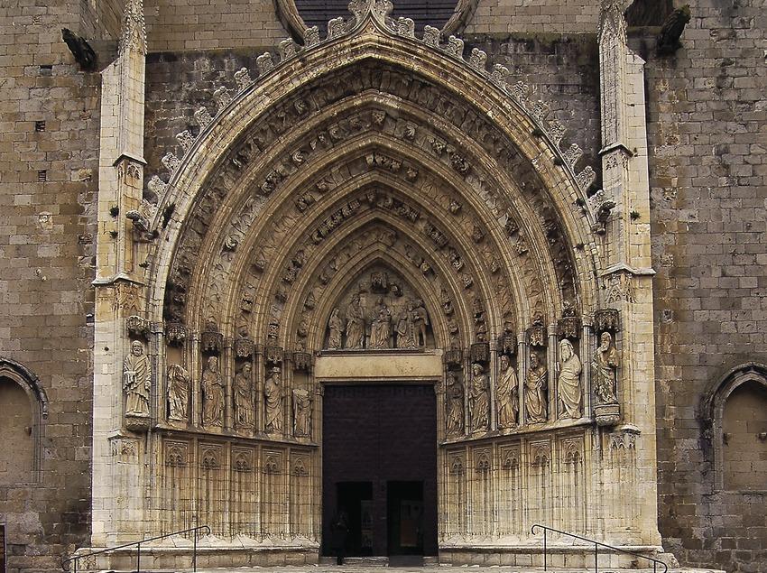 Portal de la basílica de Santa Maria.  (Chopo (Javier García-Diez))