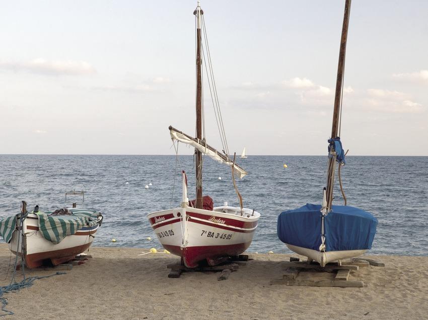 Boote am Strand.