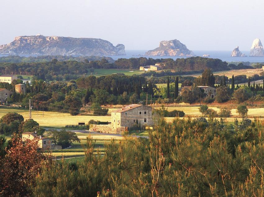Les îles Medes vues de Pals.