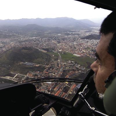 Vol au-dessus de la ville.