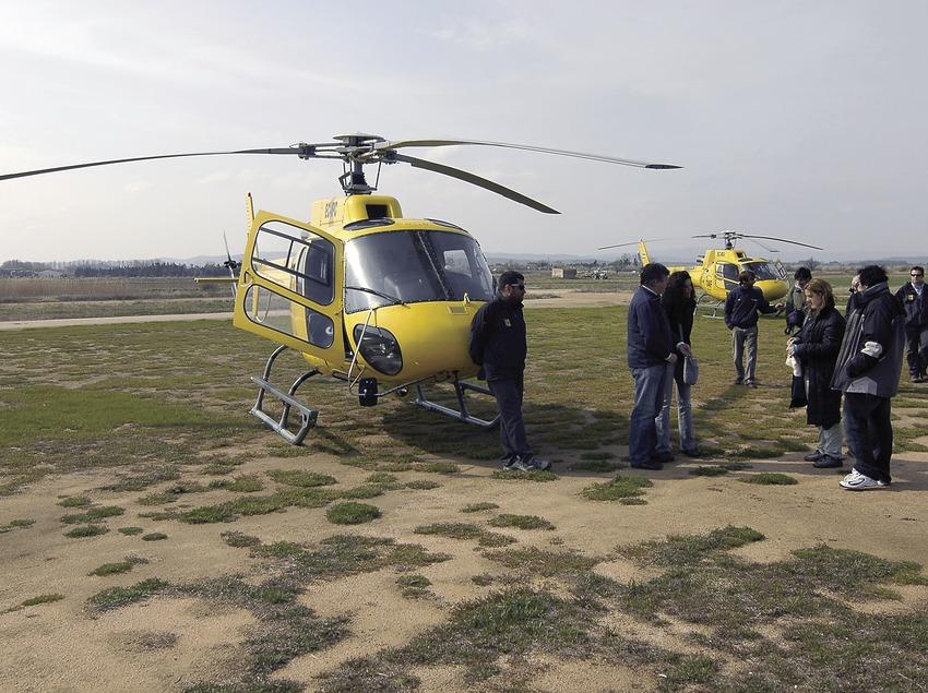 Helicopter in Pals airfield  (Chopo (Javier García-Diez))