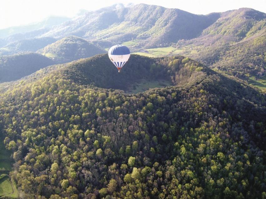 Sobrevolant la Garrotxa en globus.