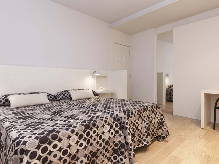 Habitació twin, dues habitacions dobles comunicades