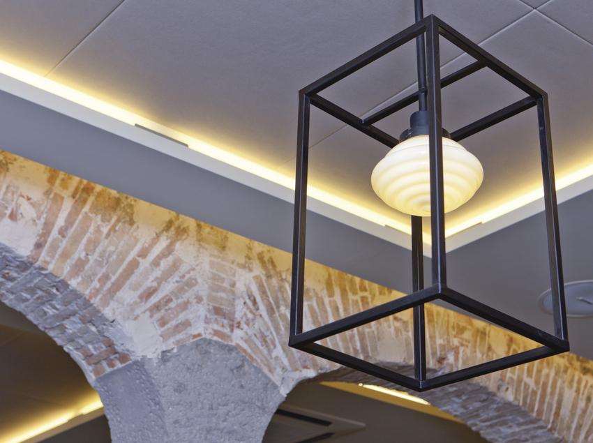 Detalle iluminación del restaurante