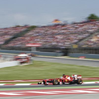 Montmelo 12.05.2013 Gran Premio de Catalunya de Fórmula 1 en el circuito de Montmelo . En la foto, el Ferrari de Alonso trazando en solitario el final de recta hacia la victoria en el circuit de Montmelo. Fotografia de Jordi Cotrina