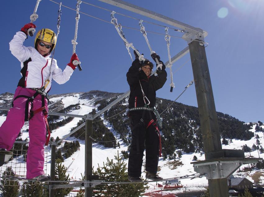 nens a l'estació d'esquí de la Vall de Núria.