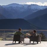 aperitiu brindis a la terrassa de l'Hotel Muntanya. Prullans (La Cerdanya).