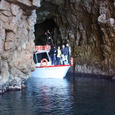 Creuer organitzat per Fadrí Creuers Marítims per la costa del Montgrí i les Illes Medes.