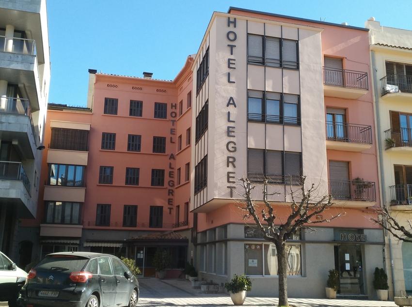 Entrada del Hotel Alegret