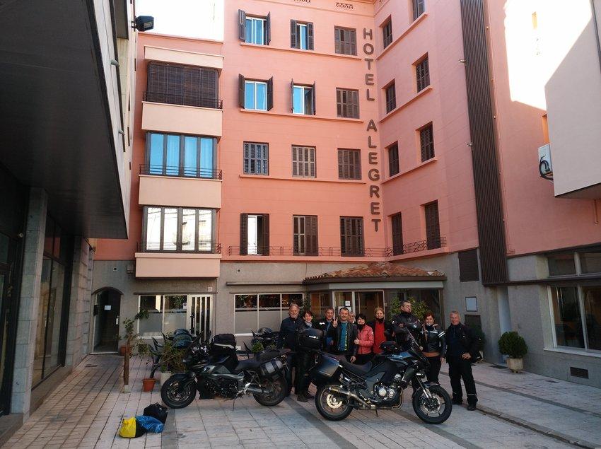 Entrada hotel Alegret