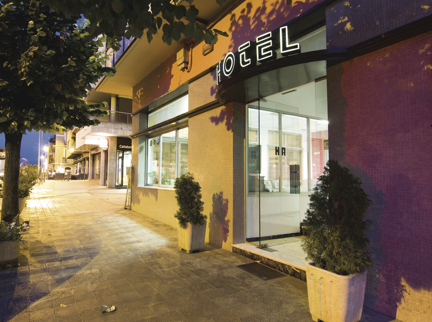 Façana hotel Alegret