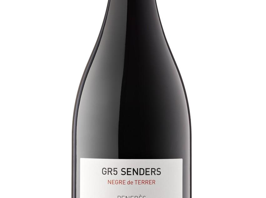 """Ampolla de vi """"Negre de Terrer"""" dins de la marca GR5 Senders. Del celler Vins El Cep."""