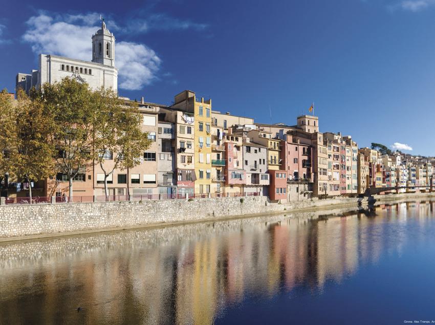 Imatges del riu onyar i la Catedral de Santa Maria, com de Sant Feliu a Girona.