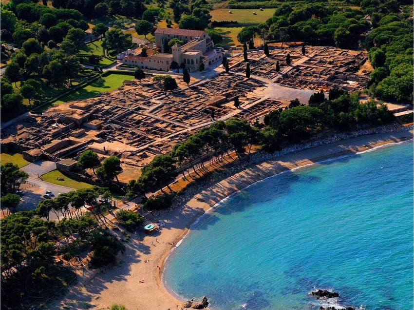 Vista aérea de las ruinas de Empúries.