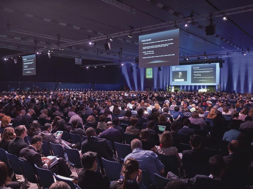 Sala de conferencias del CCIB durante un congreso.