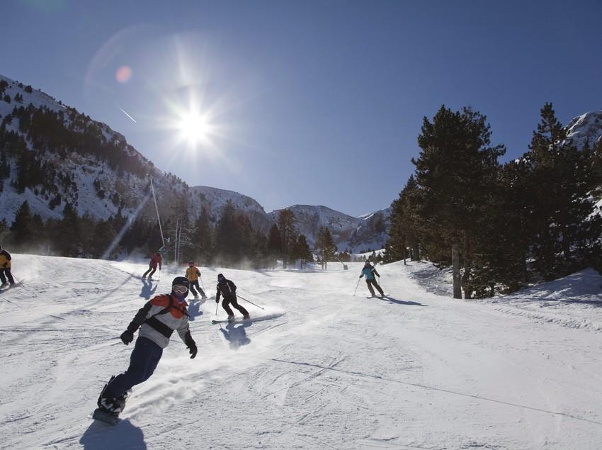 Descenso en la estación de esquí de Masella.