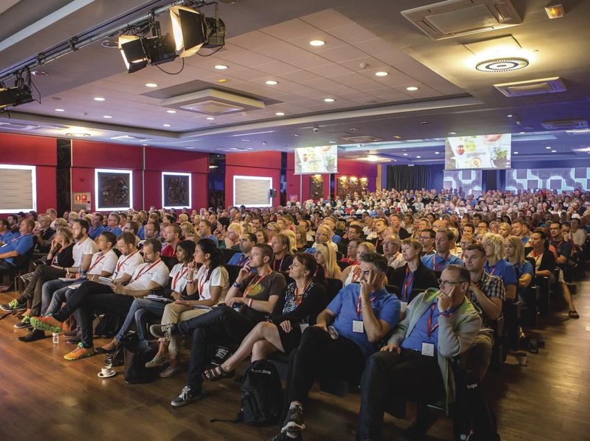 Sala de conferencias del Evenia Olympic Palace en Lloret de Mar.
