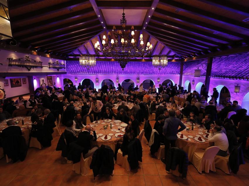 Banquete empresarial organizado por E&TB Group.