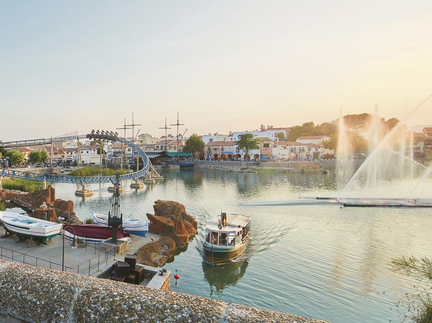 Esdeveniment a la zona del llac del parc temàtic PortAventura World.