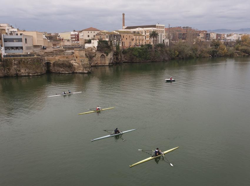 Barques de rem a l'Ebre. (Mariano Cebolla)