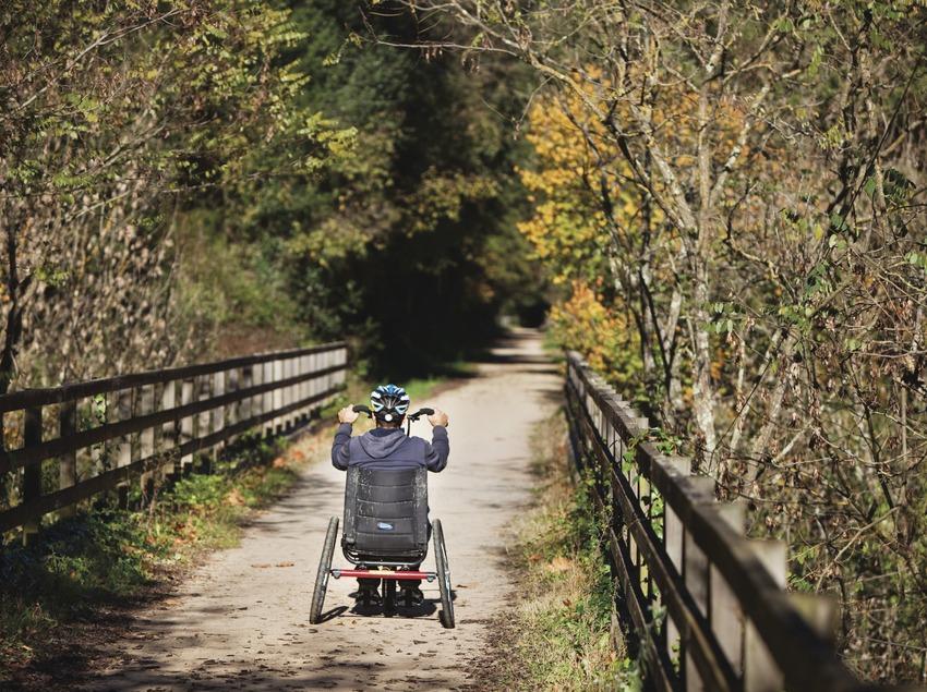 Handbike a la Via Verda de La Garrotxa. Entre Les Planes d'Hostoles (Garrotxa) i Amer (La Selva).